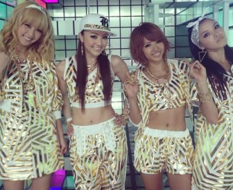 E-girls,Ami ,画像,腹筋