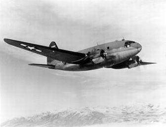 輸送機,カーチスC-46 コマンドー
