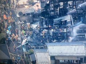 調布の軽飛行機墜落、結構被害大